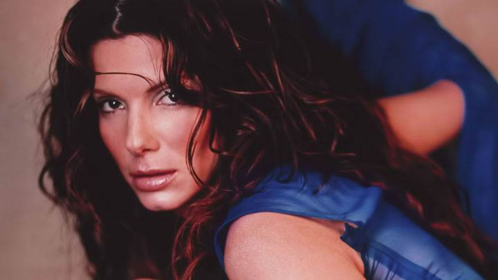 Sandra Bullock Wet Lips In Blue Dress Sitting Pose