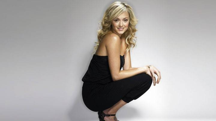 Fearne Cotton Sitting Pose In Black Dress