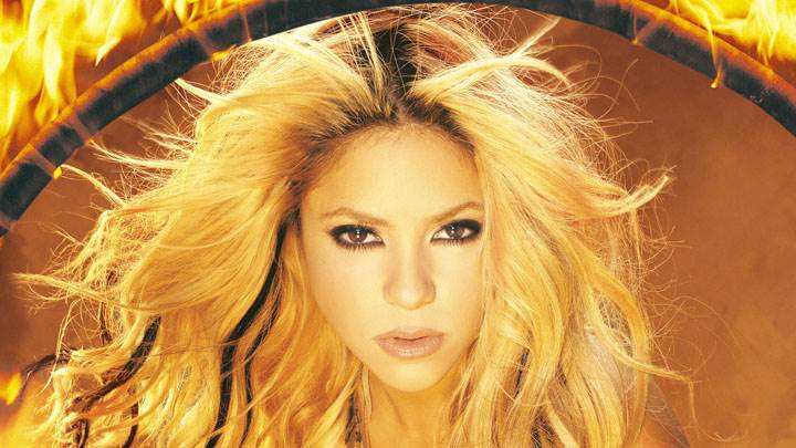 Shakira Cute Eyes Looking Front Photoshoot