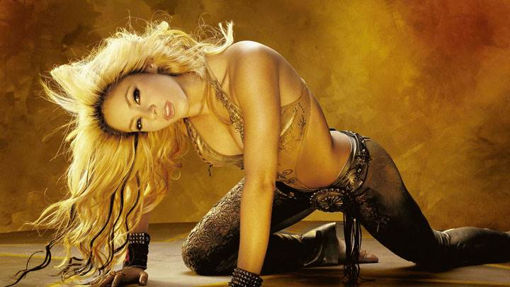 Shakira Looking Front N Nice Pose Photoshoot