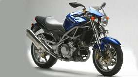 Side Pose of Cagiva Raptor 1000 in Blue