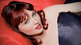 Sophie Ellis-Bextor Red Lips And Cute Eyes Laying Face Closeup