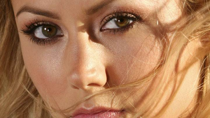Stacy Keibler Wet Pink Lips And Cute Eyes Ulta Face Closeup