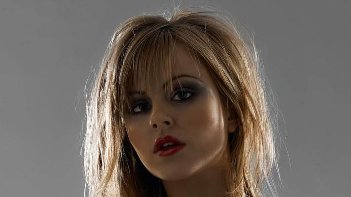 Tina O'brien Red Lips Looking Front Face Closeup