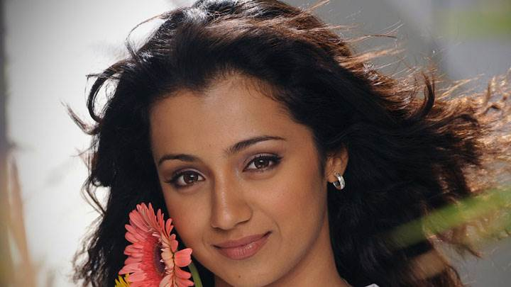 Trisha Krishnan Cute Eyes Smiling Face Closeup