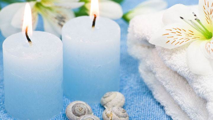 Two Candles With Shells