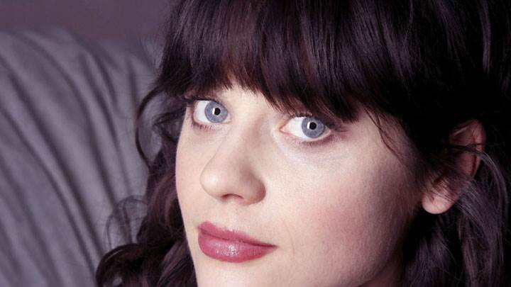 Zooey Deschanel Looking Front And Red Lips Face Closeup