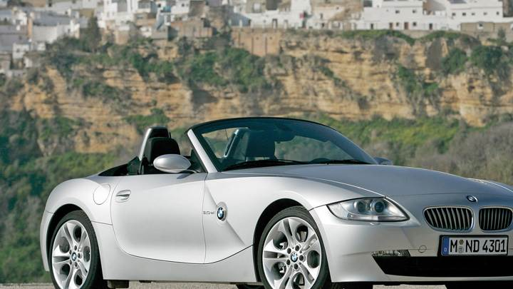 2005 BMW Z4 Roadster Front Side Pose In Silver