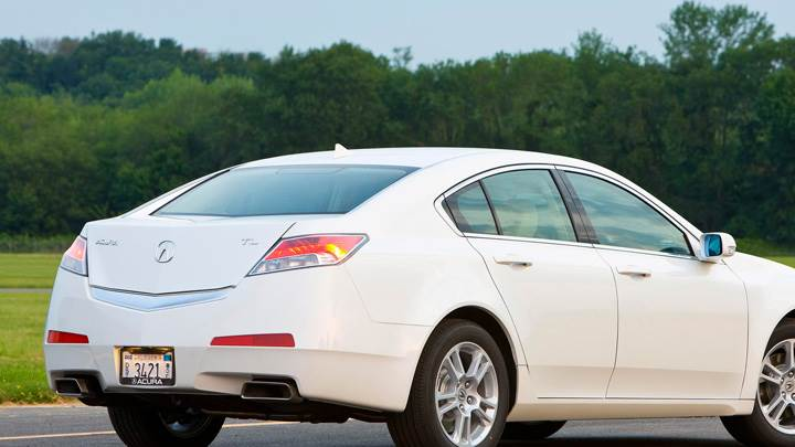 2009 Acura TL Side Back Pose In White