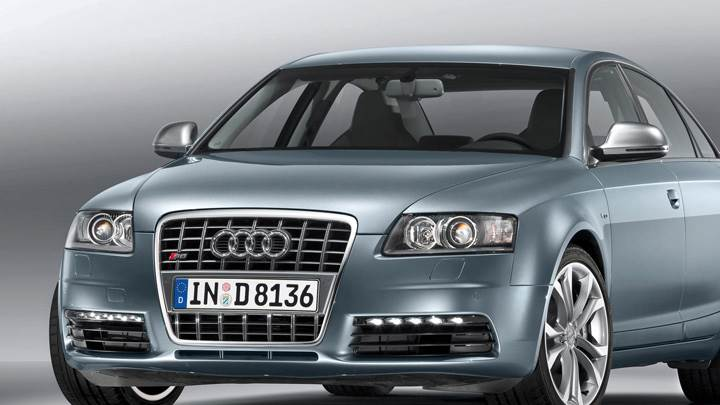 2009 Audi S6 Front Pose In Grey And Grey Background