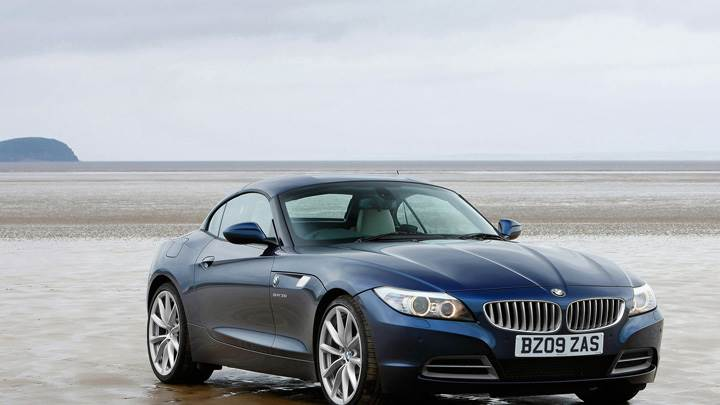 2009 BMW Z4 Front Side Pose In Blue