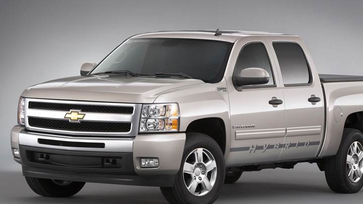 2009 Chevrolet Silverado Hybrid In Grey Side Front Pose