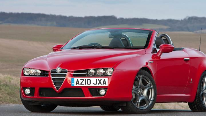 2010 Alfa Romeo Spyder In Red Front Pose