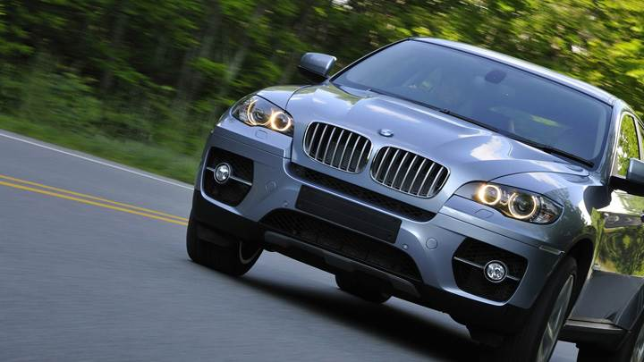 2010 BMW ActiveHybrid X6 Running Front Pose In Grey