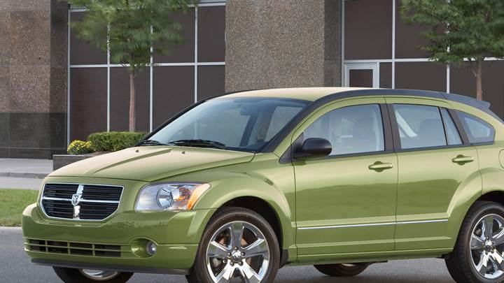 2010 Dodge Caliber RT In Green Front Side Pose