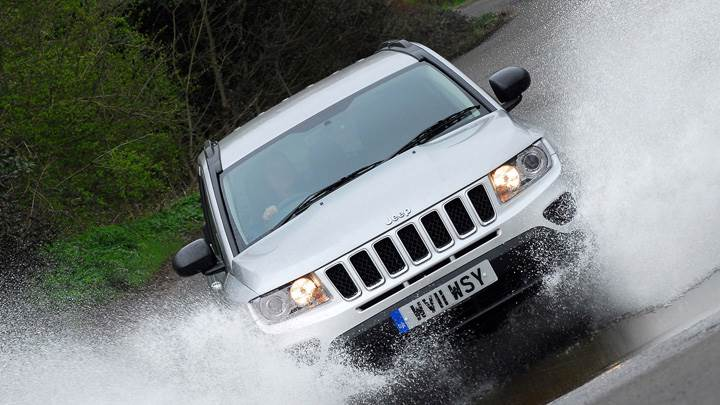 2011 Jeep Compass UK After Rain Running