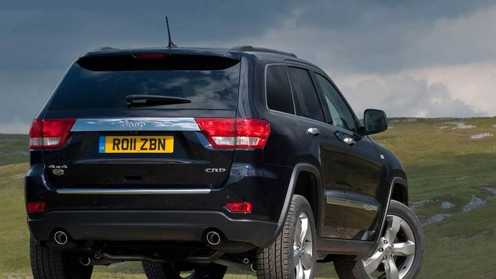 2011 Jeep Grand Cherokee Back Pose in Black