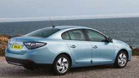 2012 Renault Fluence ZE Side Back Pose In Blue