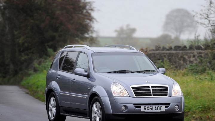 2012 SsangYong Rexton Front Pose In Grey