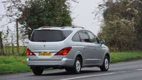 2012 SsangYong Rodius Back Pose In Grey