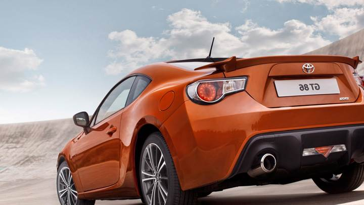 2012 Toyota GT 86 Side Back Pose In Orange