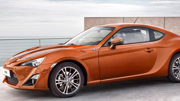2012 Toyota GT 86 Side Pose In Orange