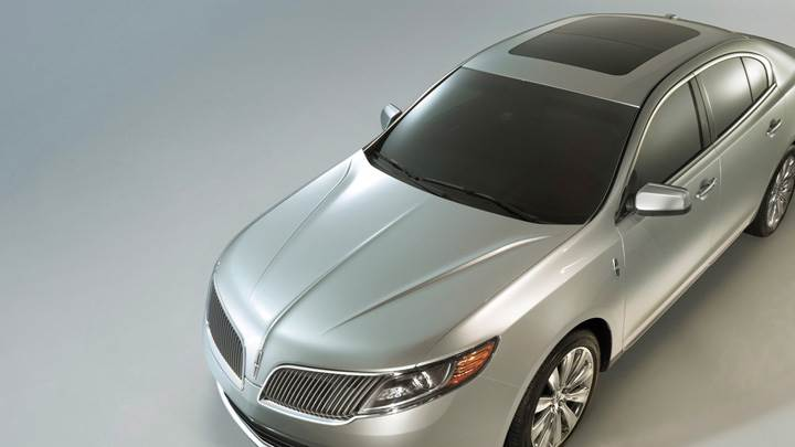 2013 Lincoln MKS Front Top View In Silver