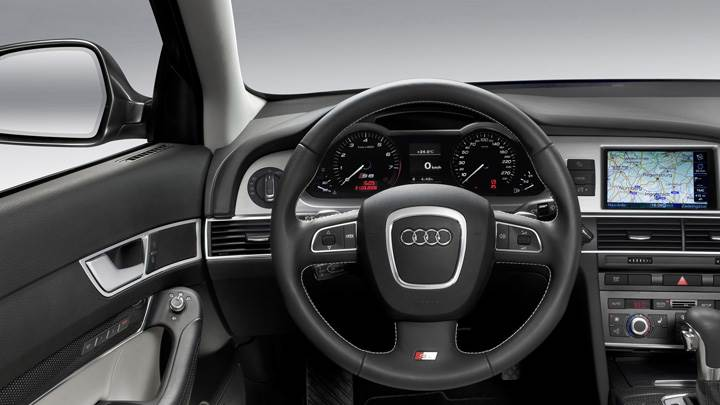 580PS Audi RS 6 Car DashBoard