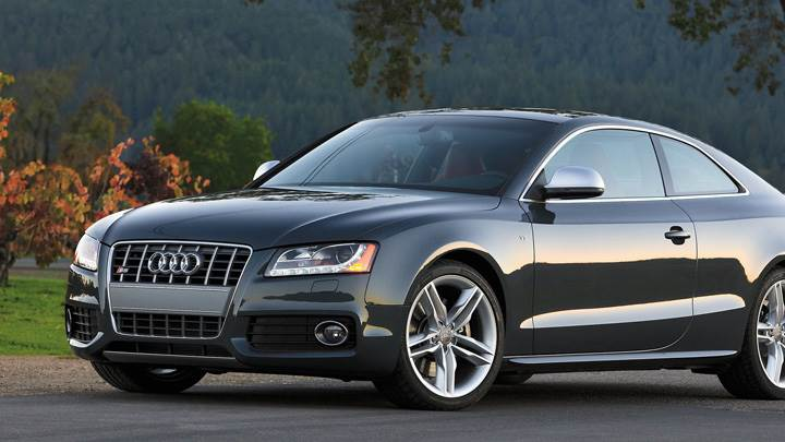 Audi S5 Side Pose In Grey