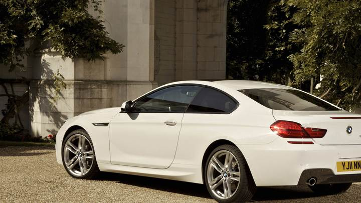 BMW 6 Series Coupe Side Pose In White