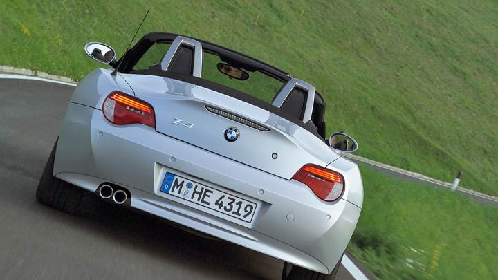 Back Pose Of 2005 BMW Z4 Roadster Running In Silver