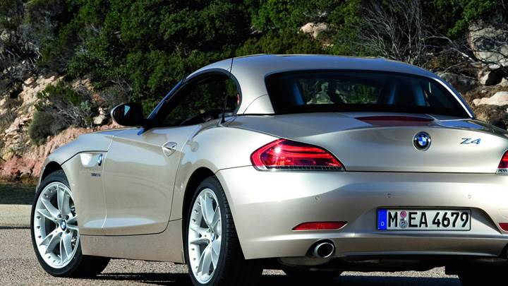 Back Pose Of 2009 BMW Z4 in Golden