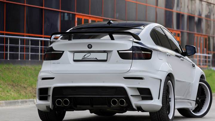 Back Pose Of 2010 Bmw X6 Lumma Design In White Wallpaper