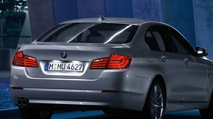 Back Pose Of 2011 BMW 5-Series Sedan In Grey