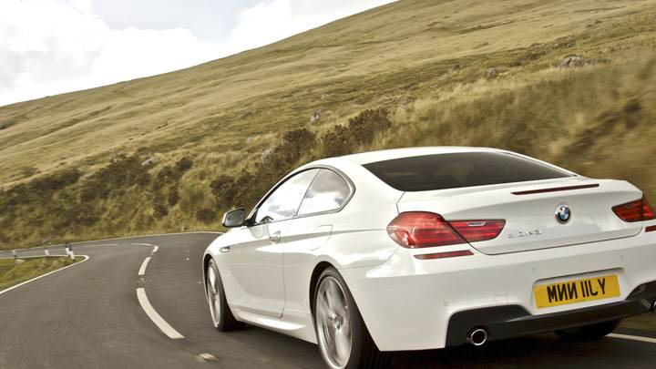 Back Pose Of 2012 BMW 6 Series Coupe in White