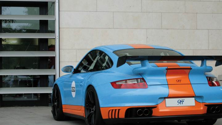Back Pose Of Porsche 9ff 997 BT2 In Blue