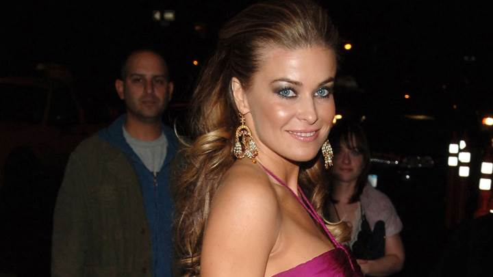 Carmen Electra Smiling Glossy Lips In Pink Dress And Long Earings