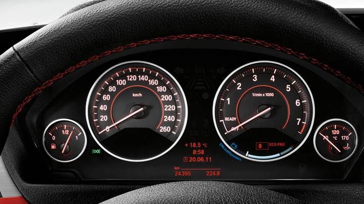 Closeup Of Speed-O-Meter BMW 3 Series Sedan F30