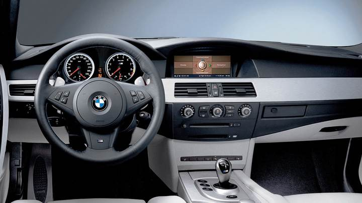 Dashboard Of 2005 BMW M5