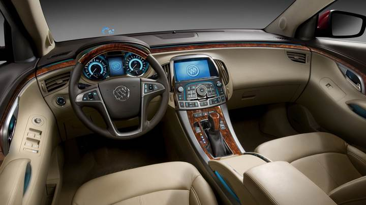 Dashboard Of 2010 Buick LaCrosse CXS