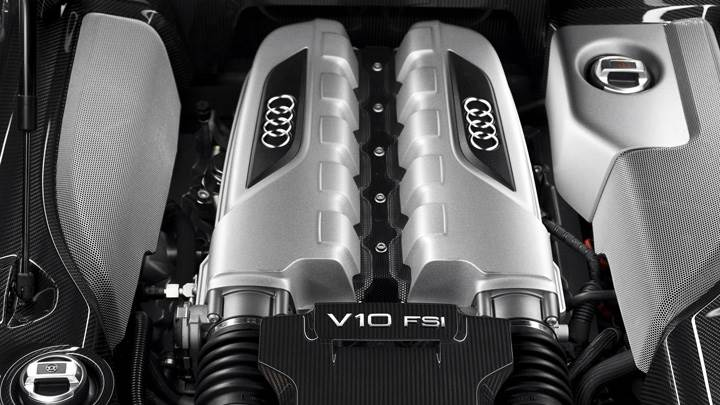 Engine Closeup Of 2009 Audi R8 V10
