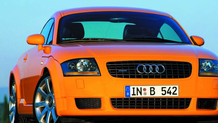 Front Pose Of 2002 Audi TT 3.2 Quattro In Orange