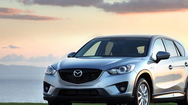 Front Pose Of 2013 Mazda CX-5 in Silver