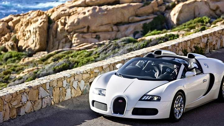 Front Pose Of Bugatti Veyron 16.4 Grand Sport In White