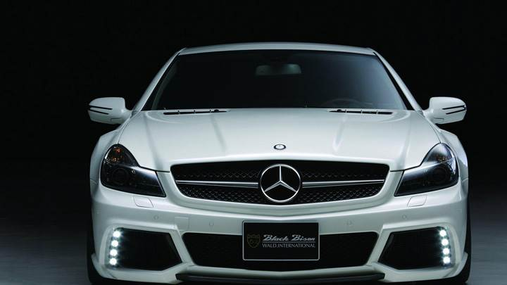 Front Pose Of Wald Mercedes-Benz R230 Black Bison Edition In White