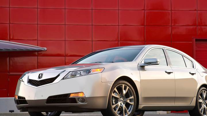 Front Side Pose Of 2009 Acura TL SH-AWD In Silver