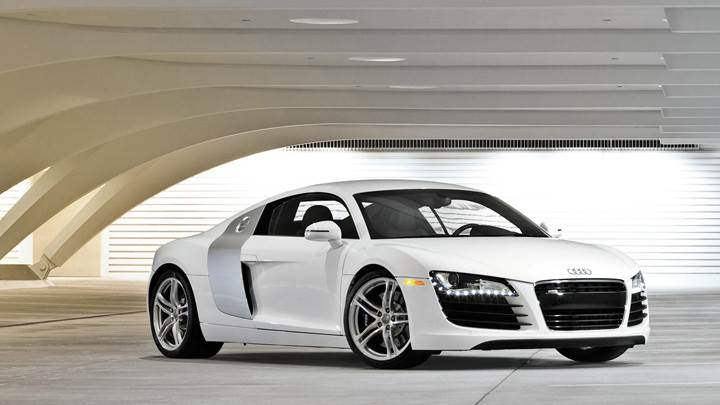 Front Side Pose Of Audi R8 In White