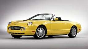 Front Side Psoe Of 2002 Ford Thunderbird In Yellow