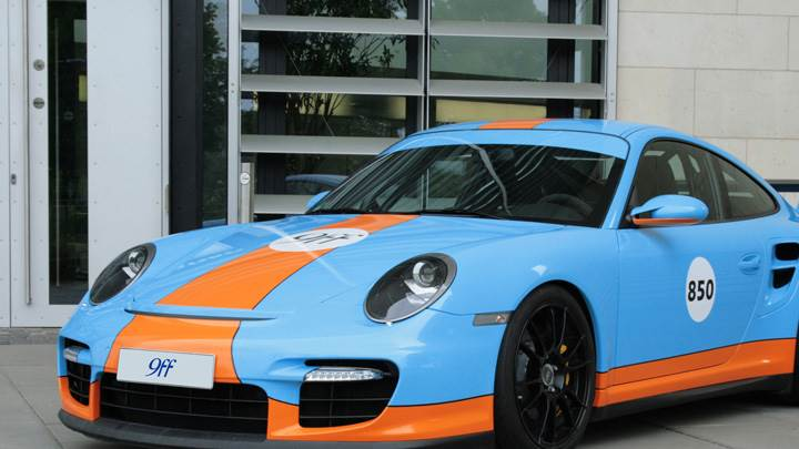 Porsche 9ff 997 BT2 Side Front Pose in Blue