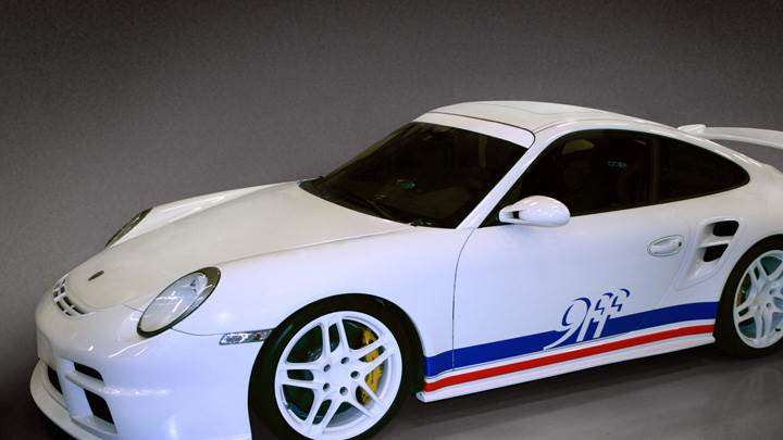 Porsche 9ff GTurbo In White Side Pose